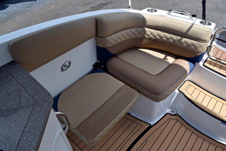 Thumbnail 18 for New 2019 Hurricane SunDeck SD 2690 OB boat for sale in Vero Beach, FL