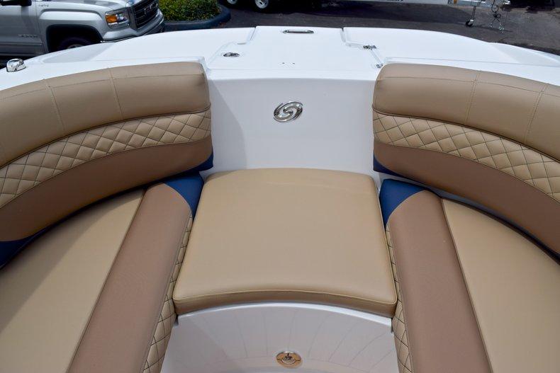 Thumbnail 48 for New 2019 Hurricane SunDeck SD 2690 OB boat for sale in Vero Beach, FL