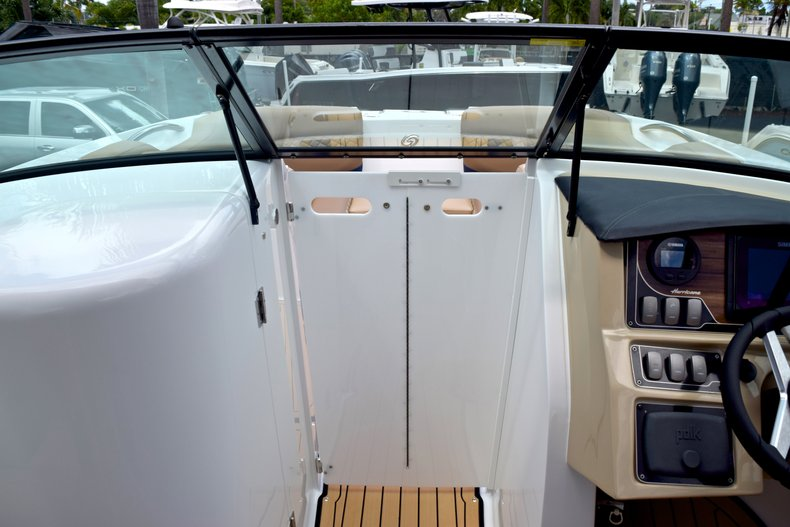 Thumbnail 45 for New 2019 Hurricane SunDeck SD 2690 OB boat for sale in West Palm Beach, FL