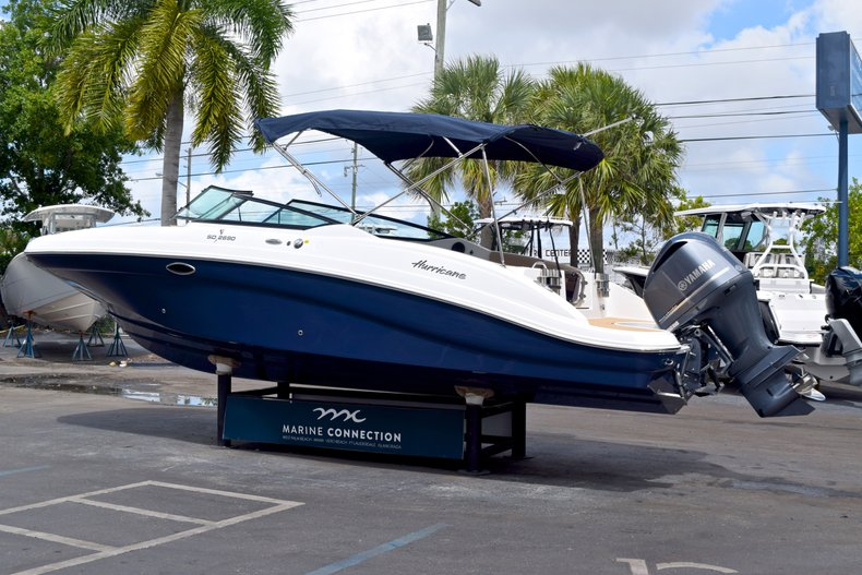 Thumbnail 5 for New 2019 Hurricane SunDeck SD 2690 OB boat for sale in West Palm Beach, FL