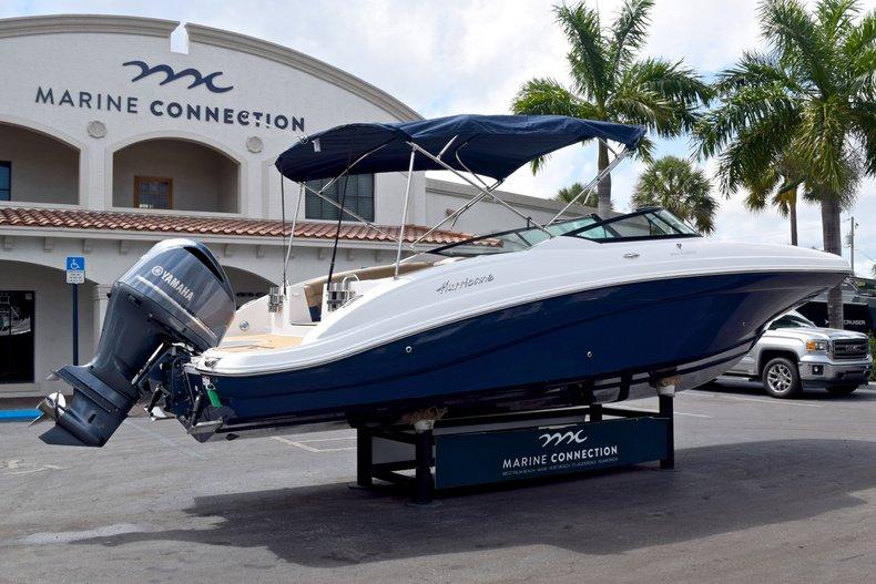 Thumbnail 7 for New 2019 Hurricane SunDeck SD 2690 OB boat for sale in Vero Beach, FL