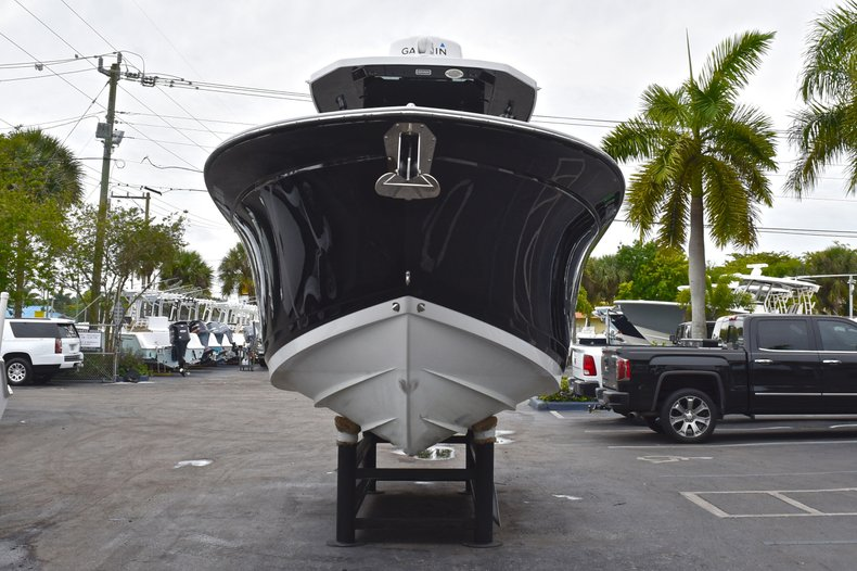 Thumbnail 2 for Used 2018 Blackfin 272CC Center Console boat for sale in West Palm Beach, FL