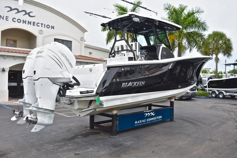 Thumbnail 7 for Used 2018 Blackfin 272CC Center Console boat for sale in West Palm Beach, FL