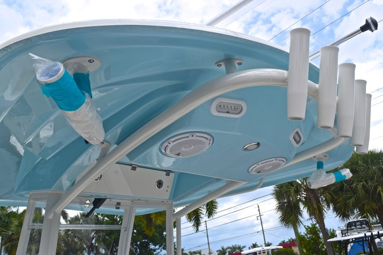 Thumbnail 42 for New 2019 Cobia 240 CC Center Console boat for sale in Fort Lauderdale, FL