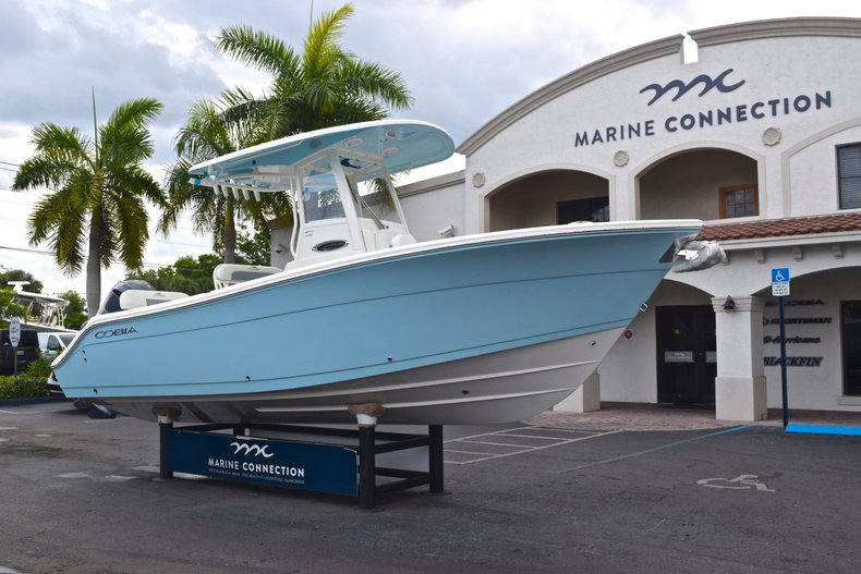 Thumbnail 1 for New 2019 Cobia 240 CC Center Console boat for sale in Fort Lauderdale, FL