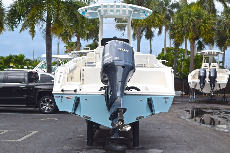 Thumbnail 8 for New 2019 Cobia 240 CC Center Console boat for sale in Fort Lauderdale, FL