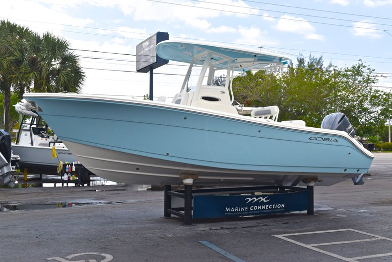 Thumbnail 5 for New 2019 Cobia 240 CC Center Console boat for sale in Fort Lauderdale, FL