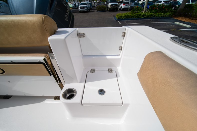 Thumbnail 11 for New 2019 Sportsman Open 242 Center Console boat for sale in West Palm Beach, FL