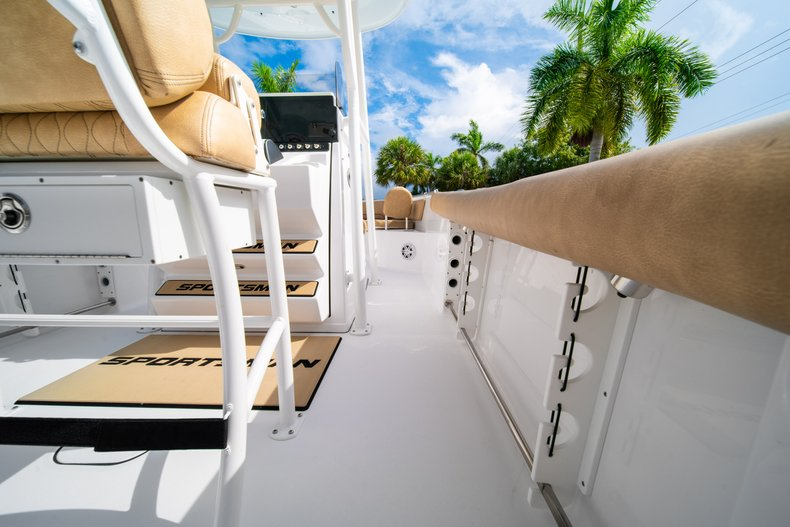 Thumbnail 15 for New 2019 Sportsman Open 242 Center Console boat for sale in West Palm Beach, FL