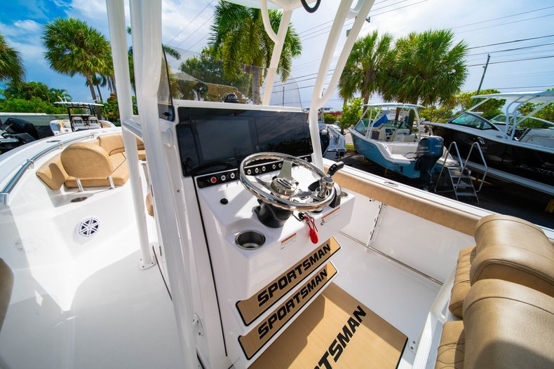Thumbnail 22 for New 2019 Sportsman Open 242 Center Console boat for sale in West Palm Beach, FL