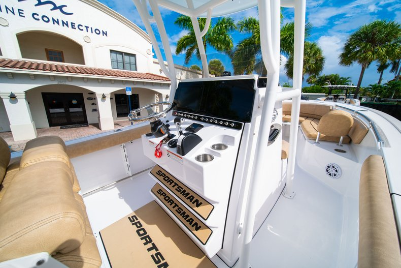 Thumbnail 20 for New 2019 Sportsman Open 242 Center Console boat for sale in West Palm Beach, FL