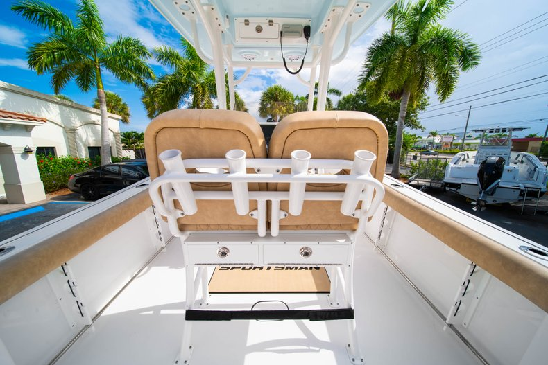 Thumbnail 18 for New 2019 Sportsman Open 242 Center Console boat for sale in West Palm Beach, FL