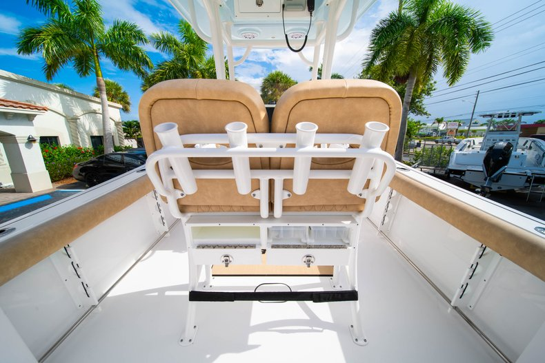 Thumbnail 19 for New 2019 Sportsman Open 242 Center Console boat for sale in West Palm Beach, FL