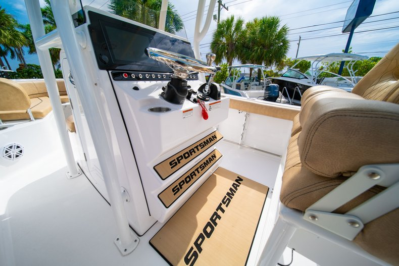 Thumbnail 24 for New 2019 Sportsman Open 242 Center Console boat for sale in West Palm Beach, FL