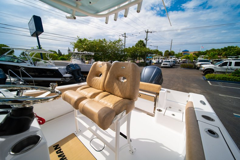 Thumbnail 28 for New 2019 Sportsman Open 242 Center Console boat for sale in West Palm Beach, FL