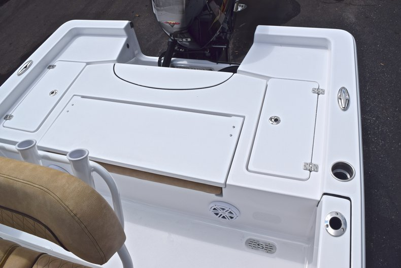 Thumbnail 10 for New 2019 Sportsman Masters 227 Bay Boat boat for sale in Vero Beach, FL
