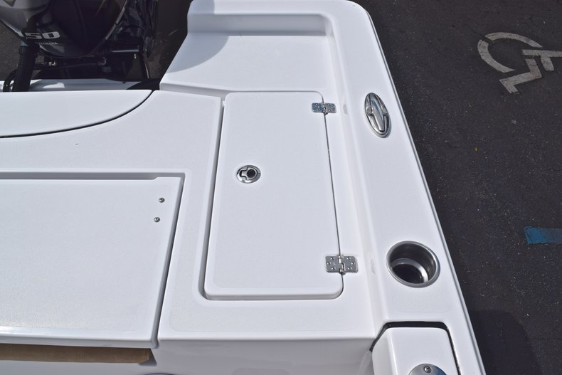 Thumbnail 11 for New 2019 Sportsman Masters 227 Bay Boat boat for sale in Vero Beach, FL
