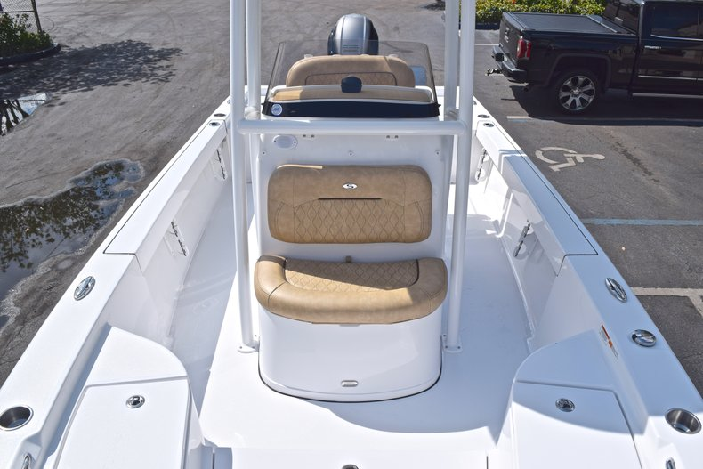 Thumbnail 53 for New 2019 Sportsman Masters 227 Bay Boat boat for sale in Vero Beach, FL