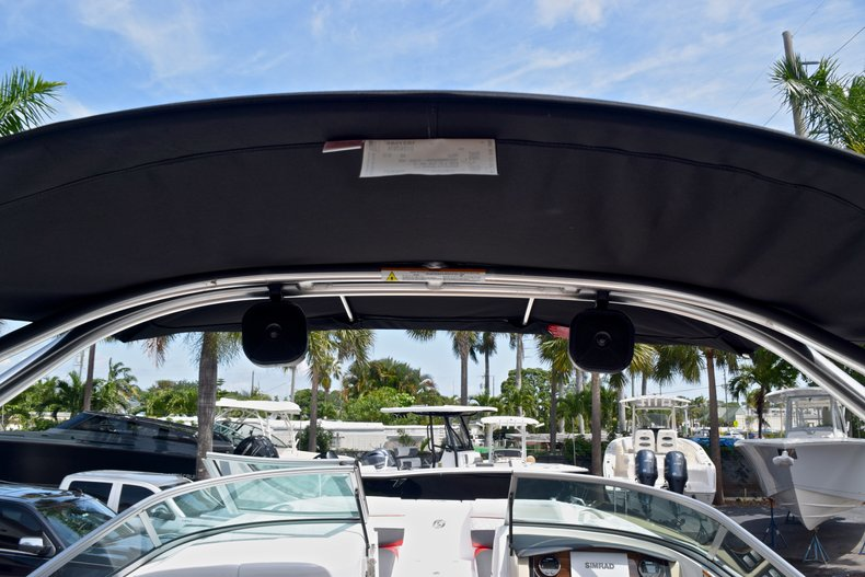 Thumbnail 51 for New 2019 Hurricane SunDeck SD 2690 OB boat for sale in West Palm Beach, FL