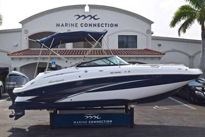 New 2019 Hurricane SunDeck SD 2400 OB boat for sale in Vero Beach, FL