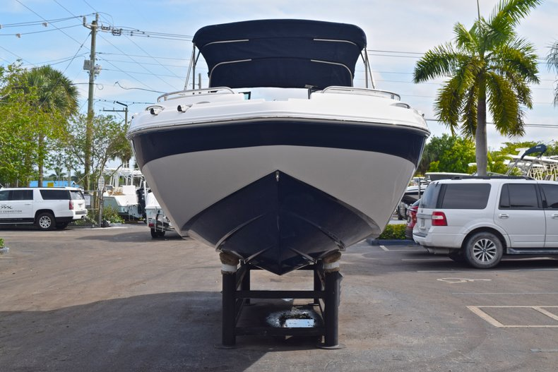 Thumbnail 2 for New 2019 Hurricane SunDeck SD 2400 OB boat for sale in West Palm Beach, FL