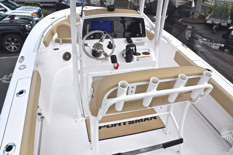 Thumbnail 9 for Used 2017 Sportsman Open 212 Center Console boat for sale in West Palm Beach, FL