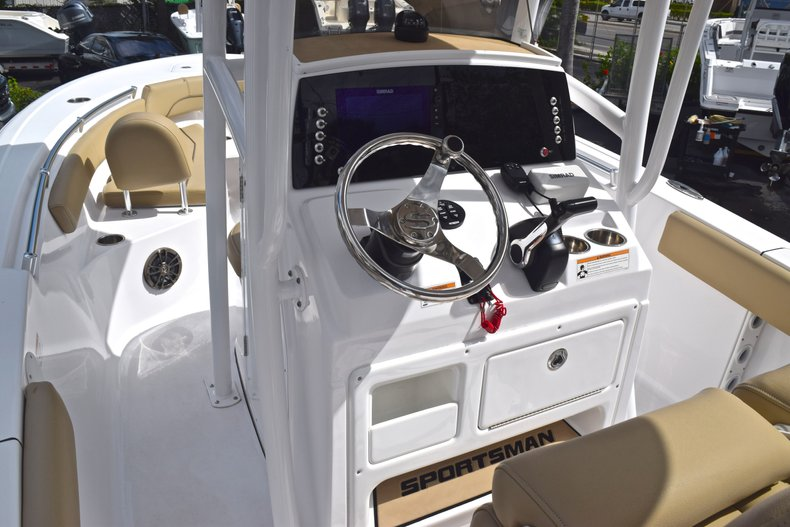 Thumbnail 19 for Used 2017 Sportsman Open 212 Center Console boat for sale in West Palm Beach, FL