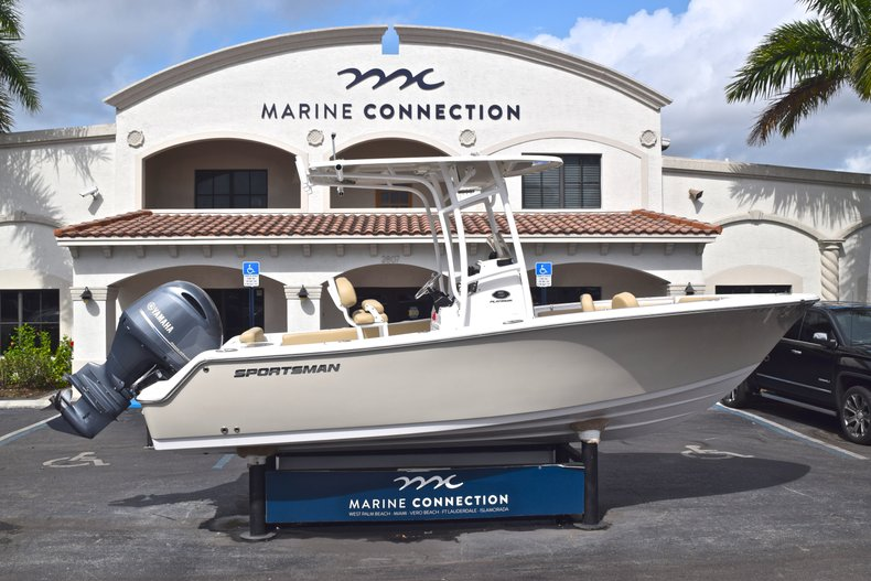 Used 2017 Sportsman Open 212 Center Console boat for sale in West Palm Beach, FL