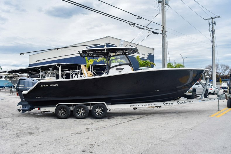 Thumbnail 3 for Used 2018 Sportsman Open 312 Center Console boat for sale in West Palm Beach, FL