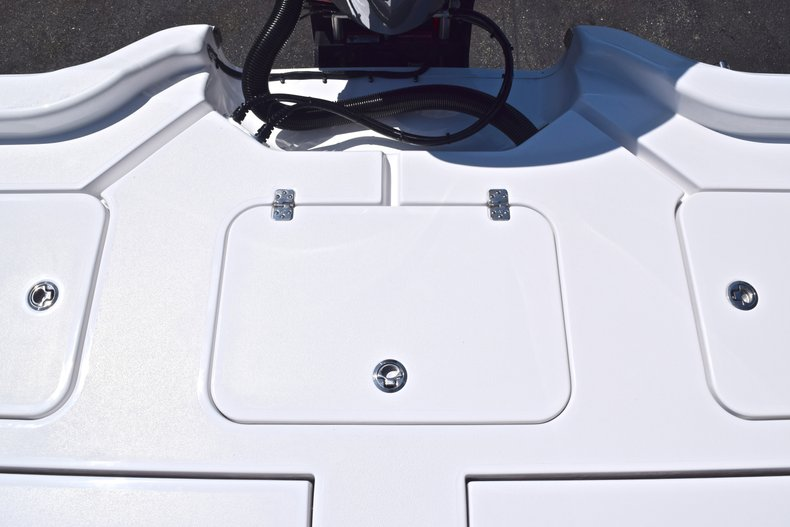 Thumbnail 16 for New 2019 Sportsman Masters 267 Bay Boat boat for sale in Vero Beach, FL