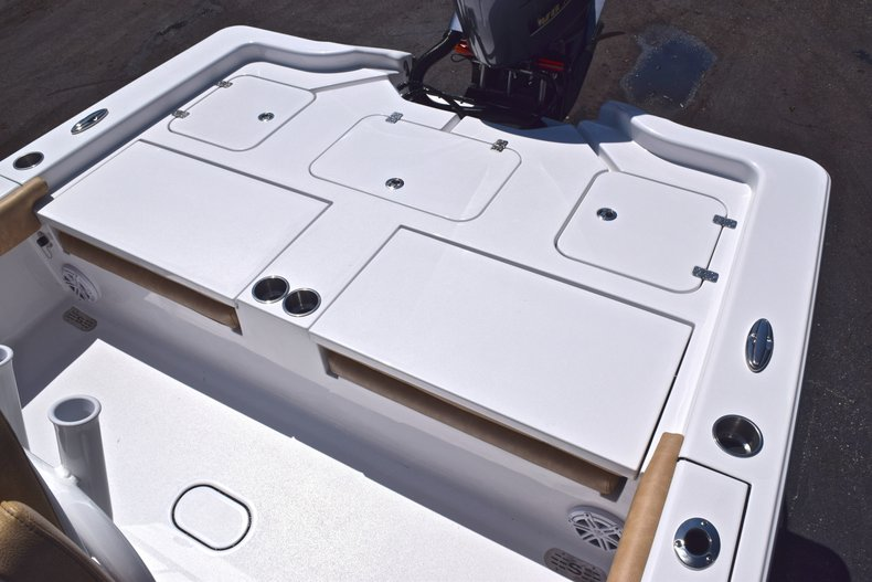 Thumbnail 12 for New 2019 Sportsman Masters 267 Bay Boat boat for sale in Vero Beach, FL