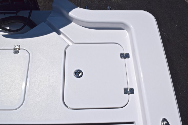 Thumbnail 18 for New 2019 Sportsman Masters 267 Bay Boat boat for sale in Vero Beach, FL