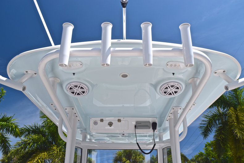 Thumbnail 42 for New 2019 Sportsman Masters 267 Bay Boat boat for sale in Vero Beach, FL