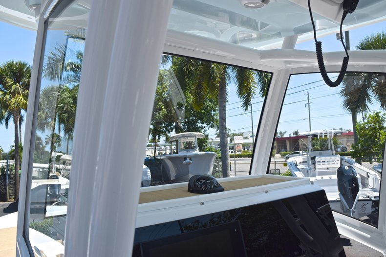 Thumbnail 32 for New 2019 Sportsman Masters 267 Bay Boat boat for sale in Vero Beach, FL