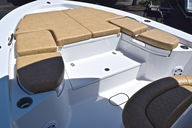 Thumbnail 65 for New 2019 Sportsman Masters 267 Bay Boat boat for sale in Vero Beach, FL