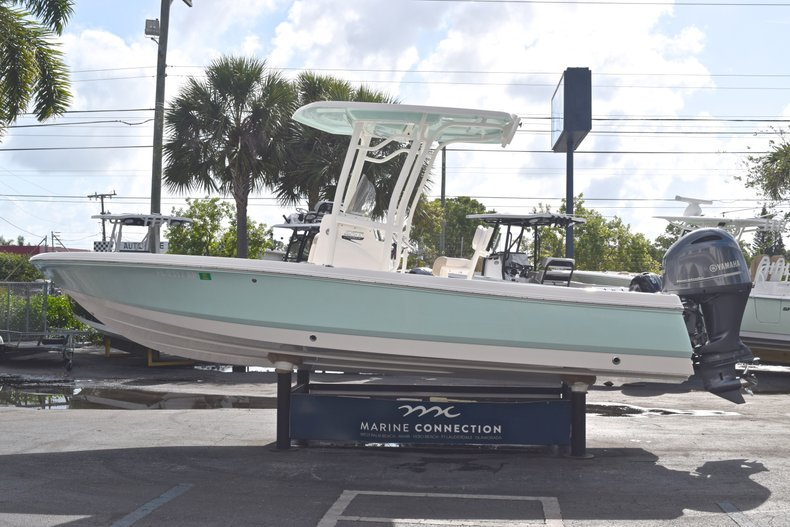 Thumbnail 4 for Used 2017 Robalo 226 Bay Boat boat for sale in West Palm Beach, FL