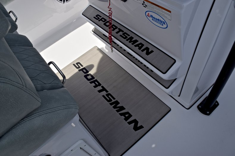 Thumbnail 35 for Used 2019 Sportsman Heritage 251 Center Console boat for sale in West Palm Beach, FL