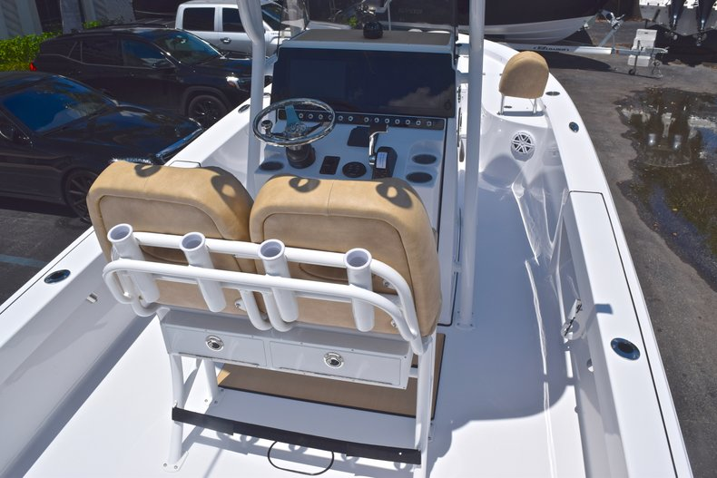 Thumbnail 7 for New 2019 Sportsman Masters 247 Bay Boat boat for sale in Miami, FL