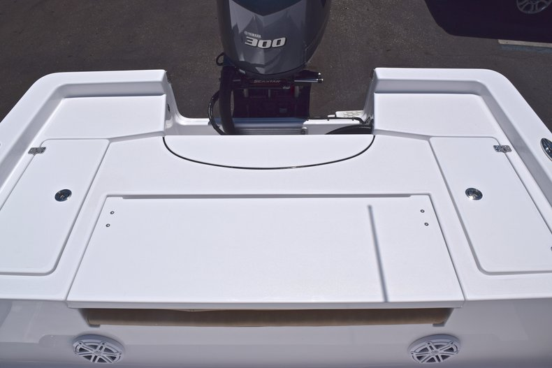 Thumbnail 9 for New 2019 Sportsman Masters 247 Bay Boat boat for sale in Miami, FL
