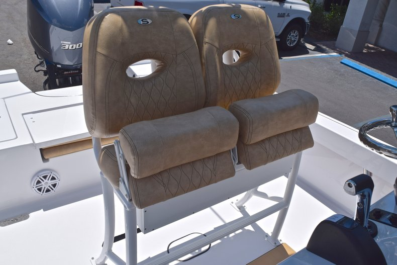 Thumbnail 20 for New 2019 Sportsman Masters 247 Bay Boat boat for sale in Miami, FL