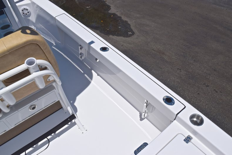 Thumbnail 17 for New 2019 Sportsman Masters 247 Bay Boat boat for sale in Miami, FL