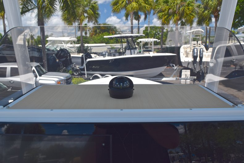 Thumbnail 27 for New 2019 Sportsman Masters 247 Bay Boat boat for sale in Miami, FL