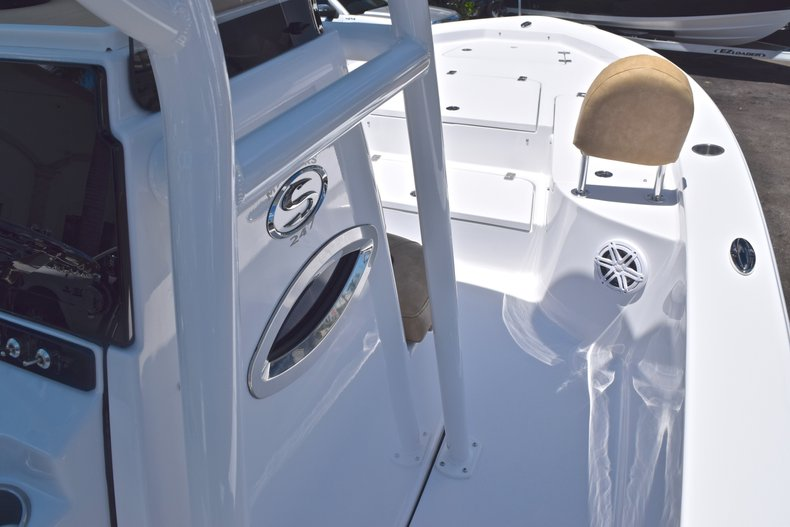 Thumbnail 37 for New 2019 Sportsman Masters 247 Bay Boat boat for sale in Miami, FL