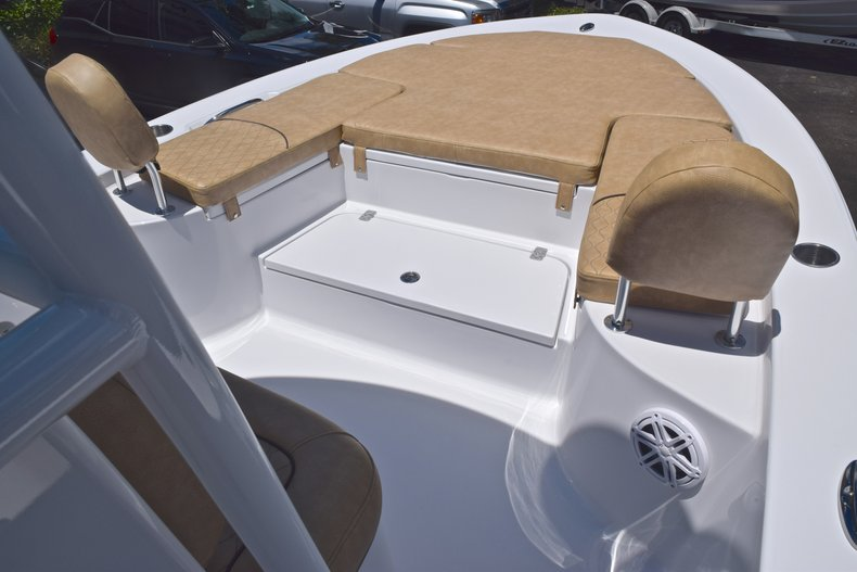 Thumbnail 41 for New 2019 Sportsman Masters 247 Bay Boat boat for sale in Miami, FL
