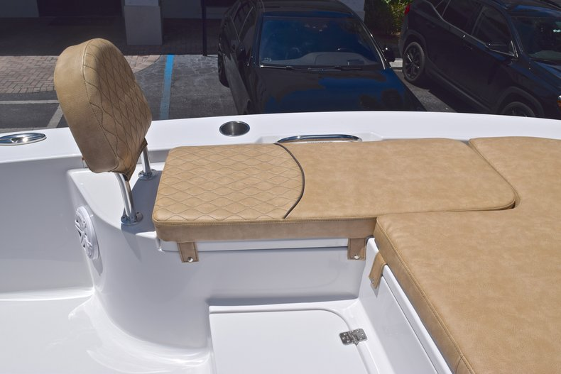 Thumbnail 44 for New 2019 Sportsman Masters 247 Bay Boat boat for sale in Miami, FL