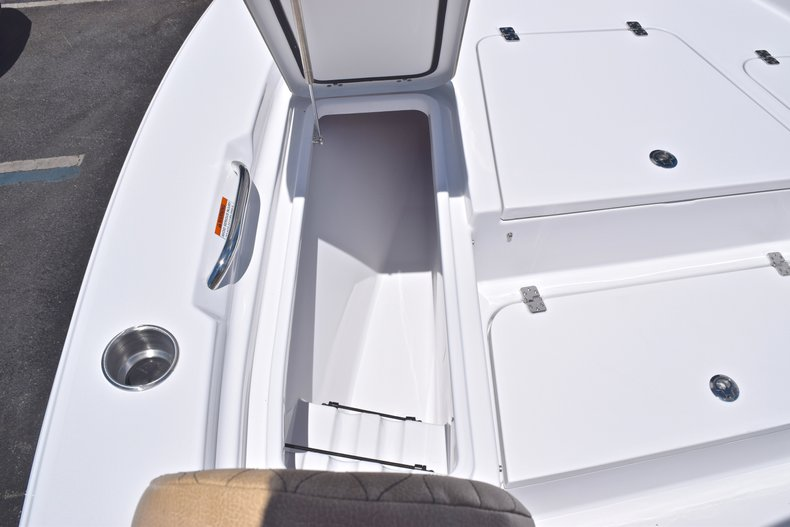 Thumbnail 46 for New 2019 Sportsman Masters 247 Bay Boat boat for sale in Miami, FL