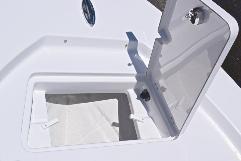 Thumbnail 55 for New 2019 Sportsman Masters 247 Bay Boat boat for sale in Miami, FL