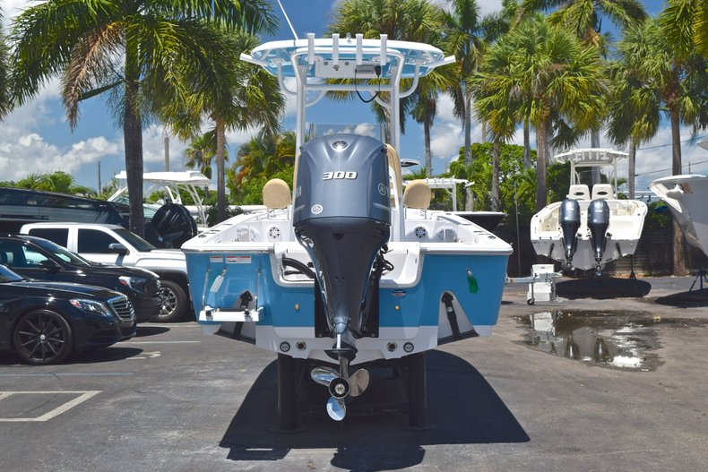 Thumbnail 5 for New 2019 Sportsman Masters 247 Bay Boat boat for sale in Miami, FL