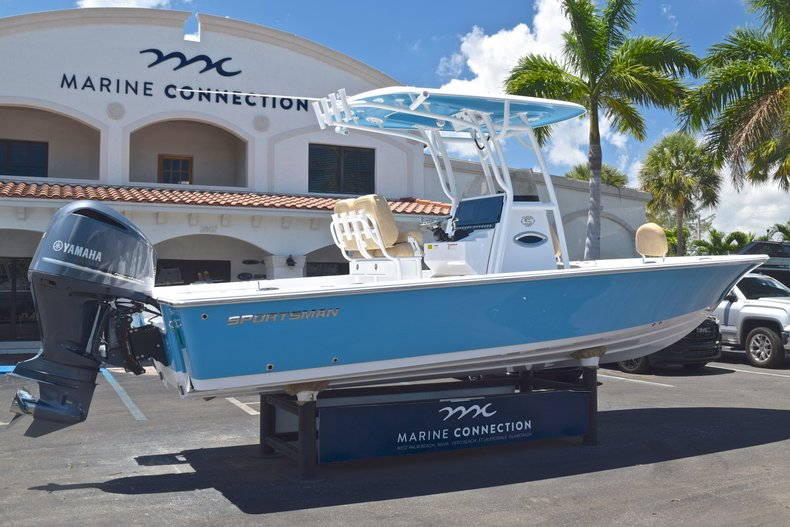 Thumbnail 6 for New 2019 Sportsman Masters 247 Bay Boat boat for sale in Miami, FL