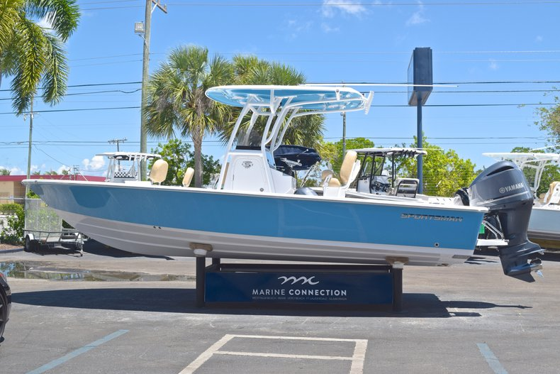 Thumbnail 3 for New 2019 Sportsman Masters 247 Bay Boat boat for sale in Miami, FL